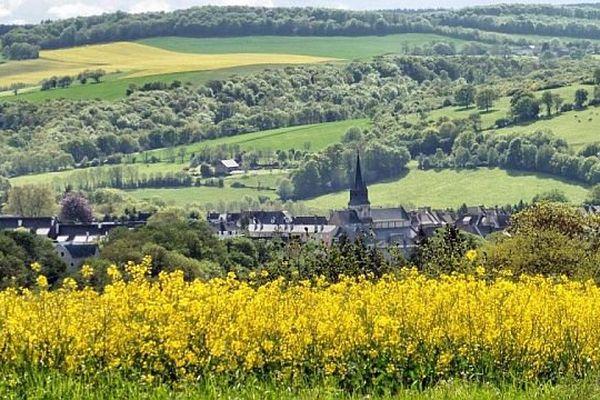 Les averses se multiplieront après les éclaircies matinales sur Thury-Harcourt, au coeur de la Suisse normande.