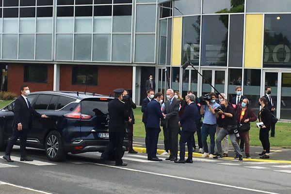 A Douai, Emmanuel Macron est arrivé vers 11h ce lundi 28 juin.