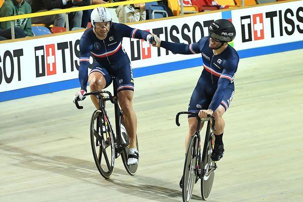 François Pervis (à gauche) et son coéquipier Quentin Lafargue le 28 février 2018 aux Mondiaux de cyclisme