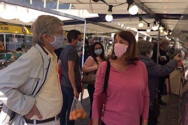 Ce matin à Levallois-Perret. Le port du masque est obligatoire dans les rues de la ville.