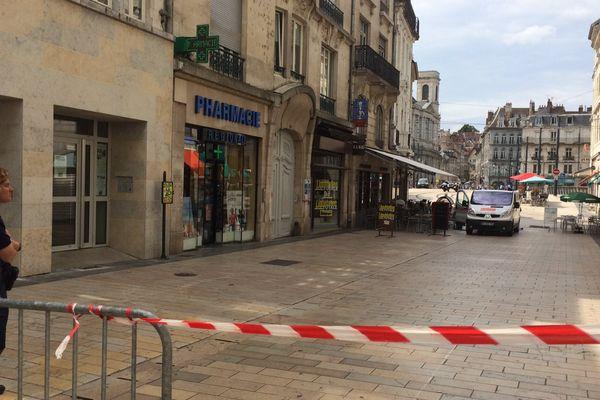Besançon, une partie de la grande rue jusqu'au Pont Battant fermé en raison en raison d'un objet suspect