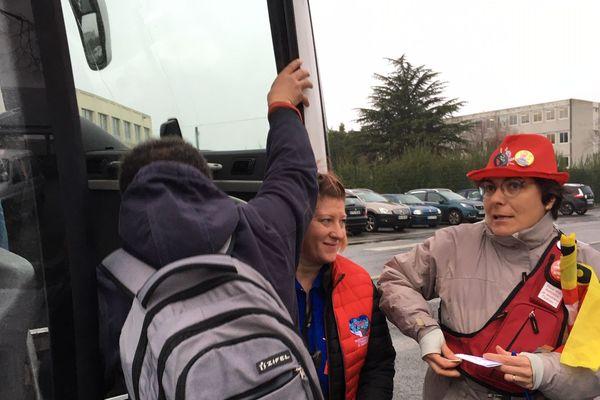 La C.G.T a affrété un bus au départ de Poitiers