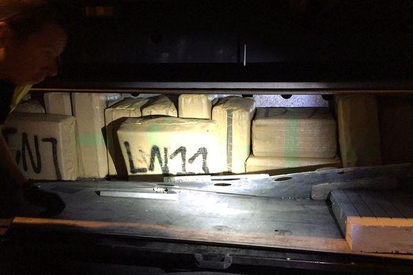 Les douaniers de la brigade de Le Perthus ont saisi 473 kg de résine de cannabis dissimulés dans un camion.
