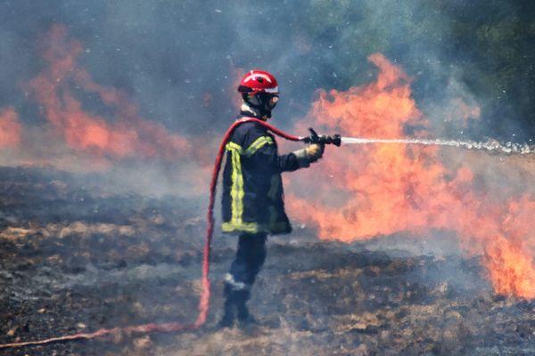 Illustration - Le centre opérationnel des pompiers d'Avignon sont intervenus pour un incendie qui dégénère sur une ferme, en pleine vigilance incendie dans le Vaucluse