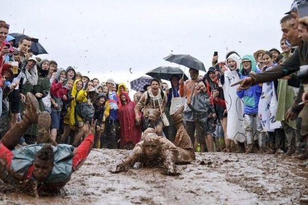 Festival de boue aux Eurockéennes 2012
