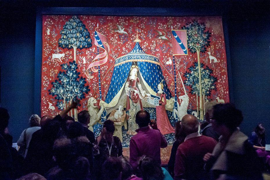 Prêtée pour deux mois, la célèbre tapisserie La Dame à la licorne est arrivée aux musée des Abattoirs de Toulouse