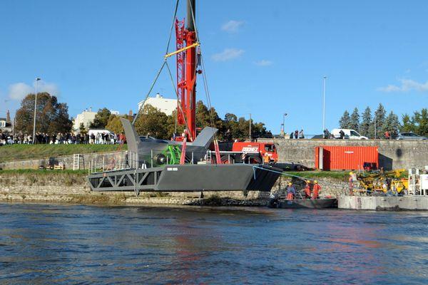 L'hydrolienne lors de son installation, en 2014.