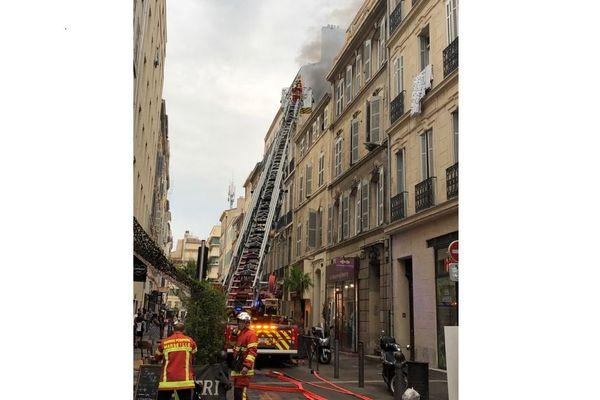 Incendie en cours rue Sainte à Marseille