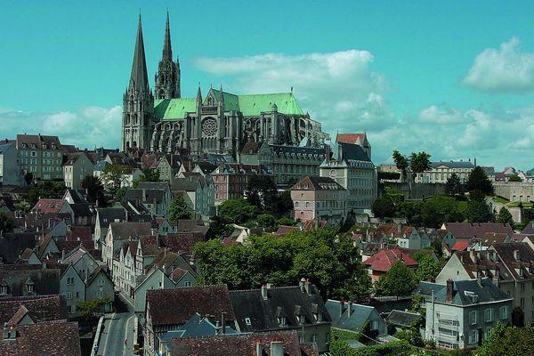 Chartres, vue depuis la basse-ville.