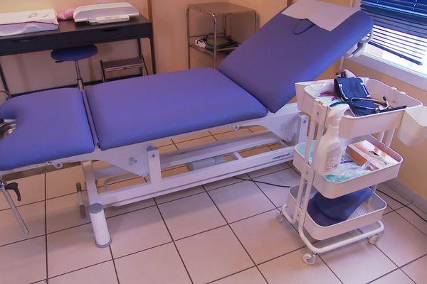 Dans le cabinet médical de Frontignan, cette salle est réservée aux patients qui ont les symptômes du coronavirus - mars 2020