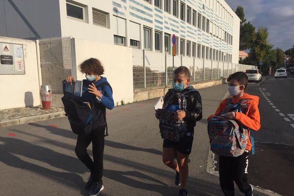 A partir de six ans les élèves doivent porter un masque à l'école suite aux annonces de Jean Castex, jeudi dernier.