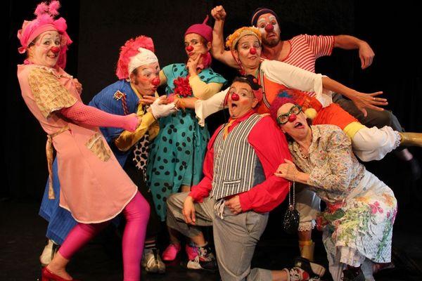 Même à distance, les clowns arrivent à redonner le sourire aux enfants hospitalisés et aux personnes âgées.