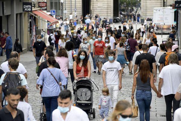 Le port du masque obligatoire est devenu obligatoire en cette période de Covid à Rennes
