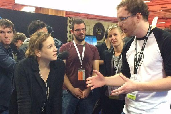 La secrétaire d'Etat à l'Economie numérique Axelle Lemaire (à gauche) a ouvert la 6ème édition de la Paris Games Week, le 28 octobre 2015.