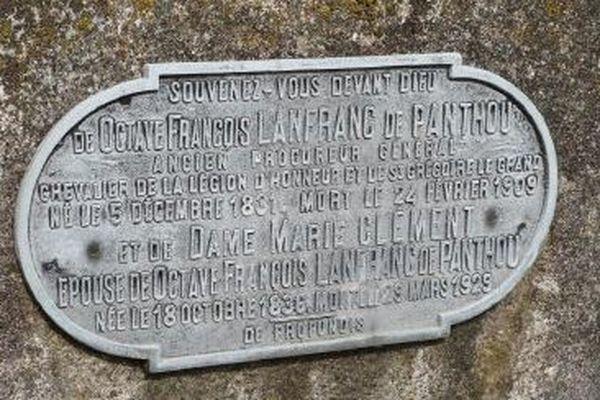 Plaque de fonte d'aluminium d'Octave François Lanfranc de Panthou.