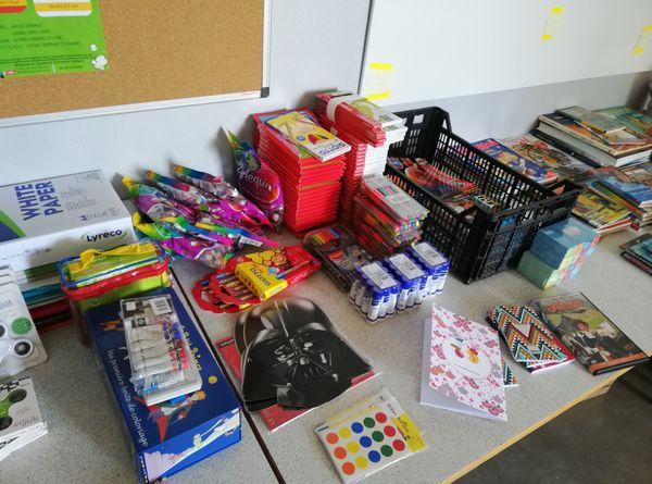 Les kits éducatifs ont été composés grâce à des dons.