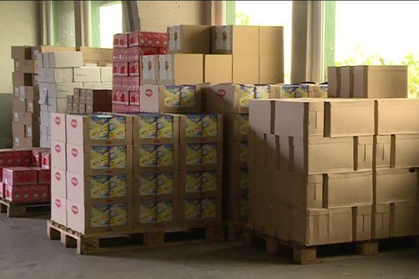 Dans le local du Secours populaire de Metz, les packs de lait ont tout simplement disparu.