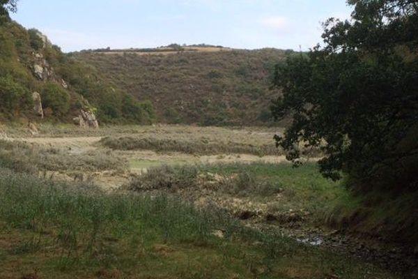 Endroit où le corps d'un joggeur a été retrouvé près d'une vasière à Hillion (22)