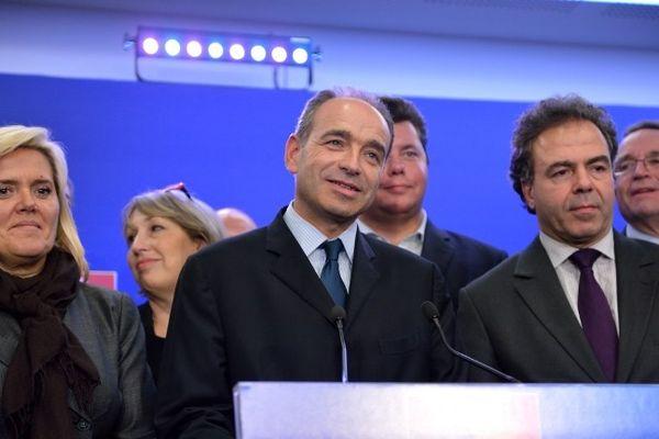 Copé proclamé président de l'UMP après 24 heures de bras de fer avec Fillon