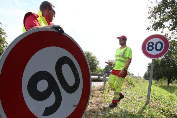 Le 1er juillet, les panneaux de limitation à 90 km/h sur route sans séparateur central auront tous disparu.