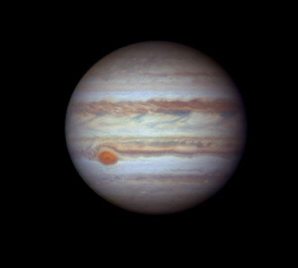 Jupiter est actuellement très proche de Saturne