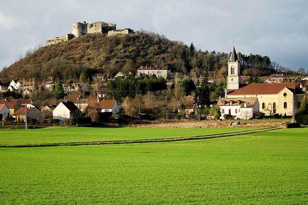 Le village de Mâlain, en Côte-d'Or, est situé à une vingtaine de kilomètres de Dijon.