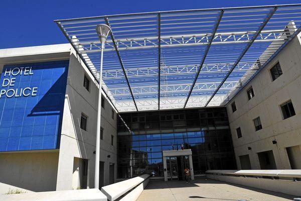 Le commissariat de Nîmes, dans le Gard.