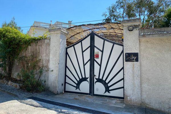 Une demeure situéechemin du Séminaire Saint Paul entre la commune de Vallauris et celle de Cannes.
