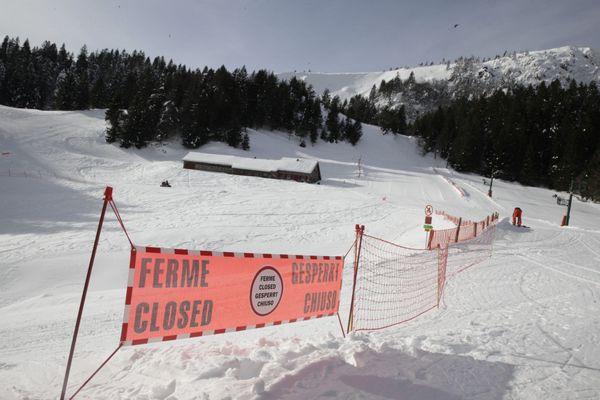 Les stations de ski ne rouvriront pas leurs remontées mécaniques le 1er février et la saison est très probablement condamnée.
