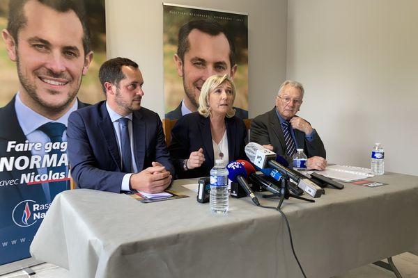 Conférence de presse donnée par Nicolas Bay, Marine Le Pen et Yves Bonnet, 5ème sur la liste du Rassemblement National en Seine-Maritime.