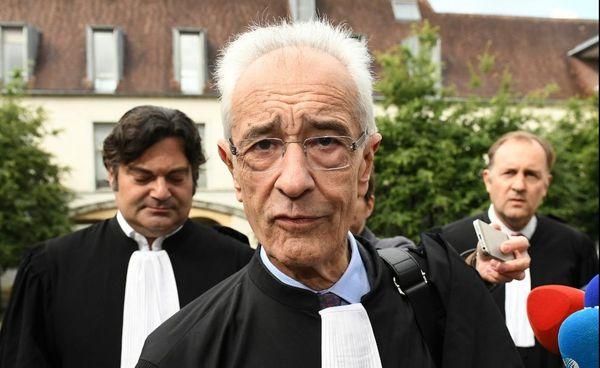 Randall Schwerdorffer, Jean-Yves Leborgne et Lionel Bethune de Moro, les trois avocats de l'anesthésiste de Besançon présents ce 12 juin à l'audience.