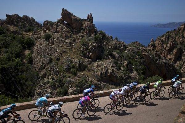 Les Décodeurs du Monde ont établi une carte référençant tous les parcours du Tour de France depuis sa création. La Corse est la région la moins traversée.
