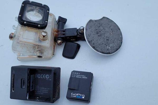 La caméra de plongée retrouvée sur la plage