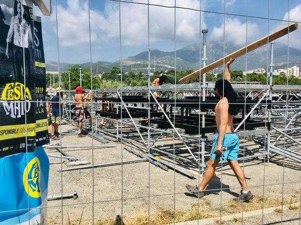 Cette été, les grands festivals de musique insulaires, qui font travailler beaucoup d'intermittents du spectacle, ne se tiendront pas