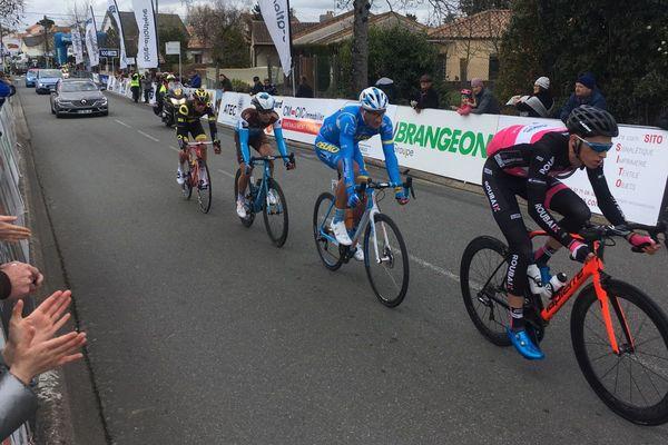 Au 67 ème kilomètre, Benoît Cosnefroy, Lilian Calmjane , Gatis Smukulis et Jérémy Cabot étaient en tête, avec 3 minutes d'avance sur le peloton.