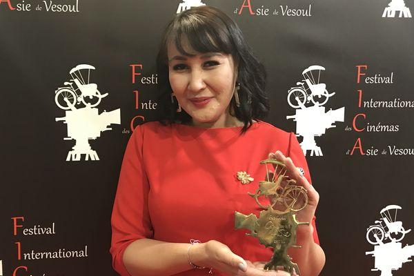 La réalisatrice Sharipa Urazbayeva, du Kazakhstan, a reçu le mardi 18 février le Cyclo d'or au FICA à Vesoul pour l'édition 2020