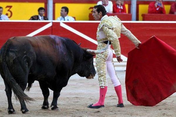 Apodéré par Manolo Cortés qui n'a jamais baissé les bras, Pepe Moral a coupé la vraie oreille de la soirée. Il est un des toreros de la relève, le futur poil à gratter des vedettes vieillissantes...