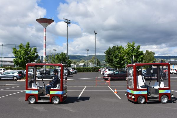 Sur le campus des Cézeaux, à Aubière, près de Clermont-Ferrand, 80 chercheurs planchent sur les véhicules autonomes.