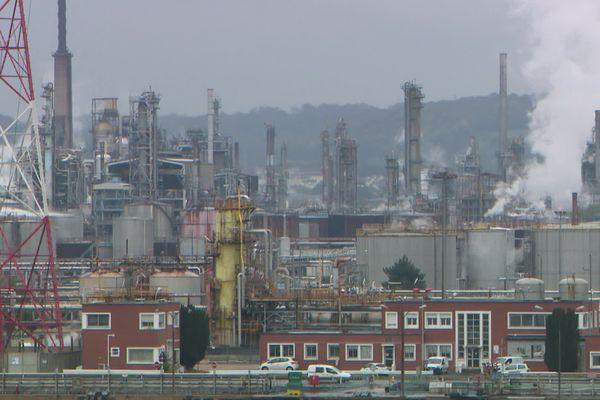 L'usine ExxonMobil près du Havre.