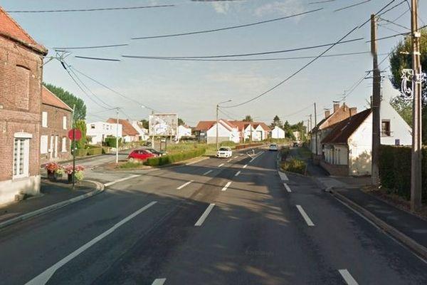 C'est au croisement de la route de Béthune et du chemin de Sains que l'accident mortel a eu lieu