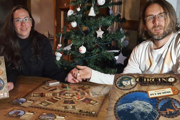 Le jeu de société Circino sur le patrimoine du Puy-de-Dôme est la création de la famille Humbert.