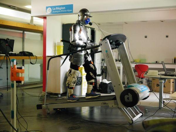 22  mai 2019/UFR de Biologie de l'UGA : batterie de tests physiologiques avec Patrice Flore (HP2), qui visent à mesurer les échanges gazeux, et de tests biomécaniques avec Violaine Cahouët et Franck Quaine.
