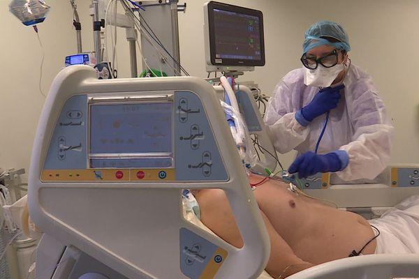 En réanimation à l'hôpital Pasteur 2 de Nice, ce 19 novembre, 18 des 23 lits réservés Covid étaient occupés.