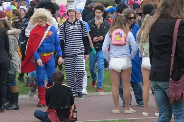 Le Carnaval des étudiants 2013 sur la fac de Caen
