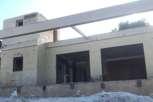 À Calvi, après les décisions de justice concernant les restaurants de plage, le temps de la démolition.