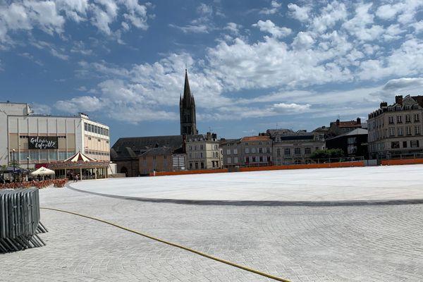 """La """"nouvelle"""" place de la République à Limoges."""