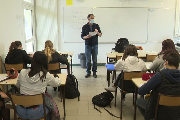 Les élèves de la section horticole ont 32 heures de cours par semaine.