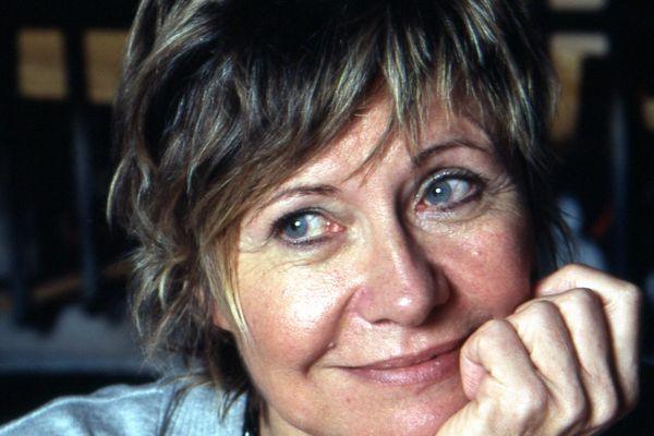 """Annie Degroote, auteure originaire du Nord, vient de publier """"Des cendres sur nos cœurs"""" chez Les presses de la cité"""