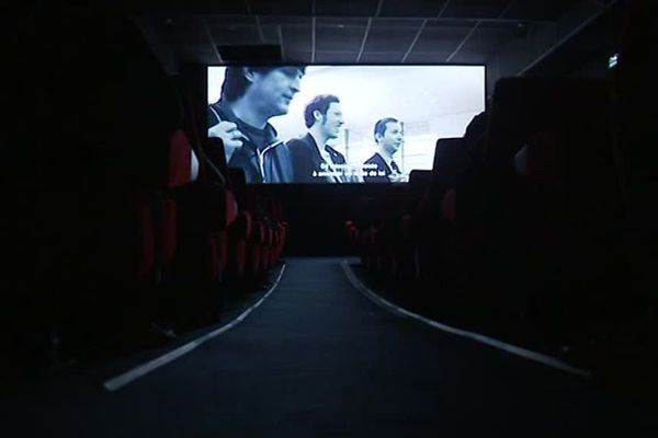 Intéresser des lycéens à la politique avec un documentaire allemand en noir et blanc, qui montre la fabrication d'un règlement européen : le pari semble plutôt osé pour cette projection pédagogique. / 4 décembre 2018.