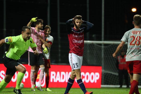 Vendredi 18 octobre, le Clermont Foot s'est incliné à domicile face à Rodez sur le score de 0 à 1.